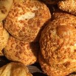 Zwiebel-Parmesanbrötchen